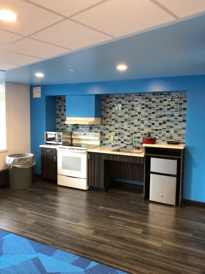 Macomb Renovated Kitchenette