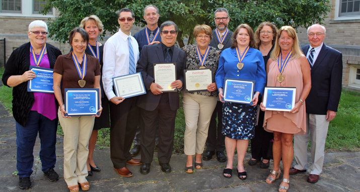Photo of award winners at 2017 President�s Welcome