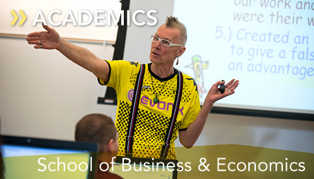 Dr. Ed Lusk teaching accounting