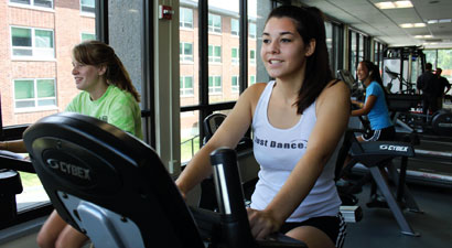 Photo of SUNY Plattsburgh students working out in the Fitness Center