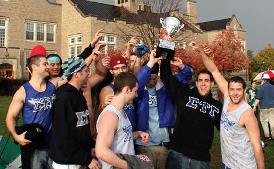 Photo of winners of the Homecoming Tug-of-War
